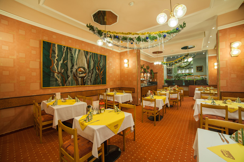 Slovan_dining_room_Christmas_1